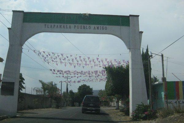Roban identificación y sellos oficiales de comuna en Tlapanalá