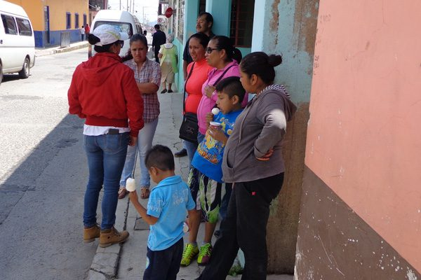 Acusan a director de hostigar a alumnos de primaria en Tlatlauquitepec