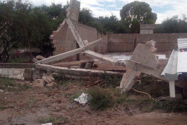 Tromba afecta 50 casas y mata 150 cabezas de ganado en Yehualtepec