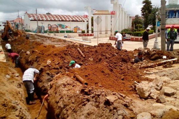Sólo cuatro días dura reparación de drenaje en Zaragoza