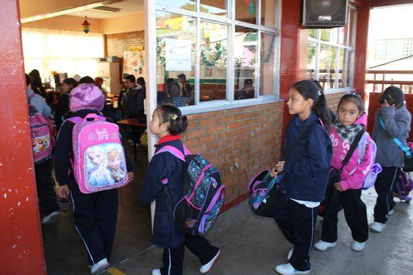 Este lunes inicia el horario de invierno en las escuelas poblanas