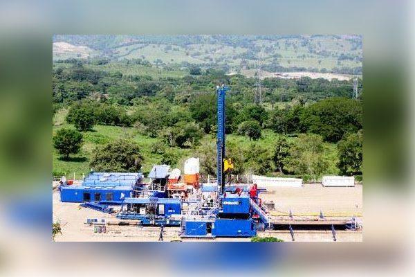 Destina Puebla más de 59 millones de pesos para extraer petróleo
