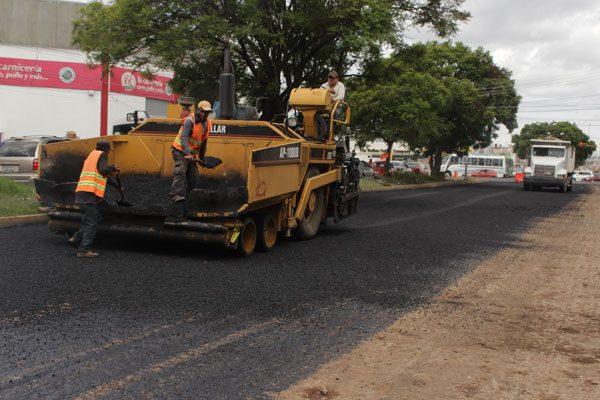 Necesarios 5 mil 800 mdp para pavimentar 2 mil 800 calles en Puebla: Banck