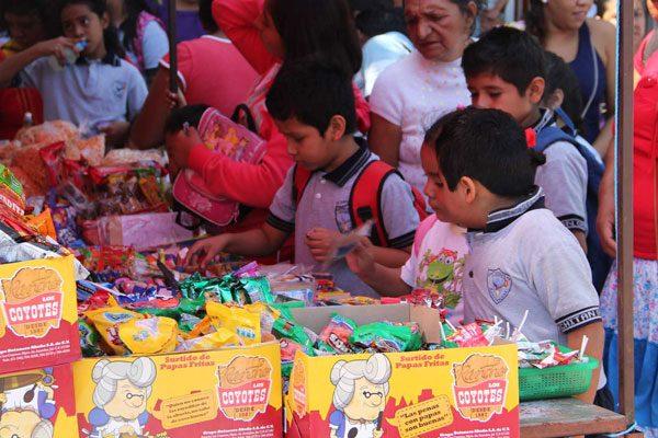 "Fracasa programa contra ""comida chatarra"" en escuelas"