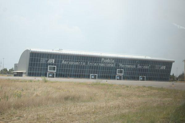 Aumenta flujo de pasajeros en el aeropuerto Hermanos Serdán