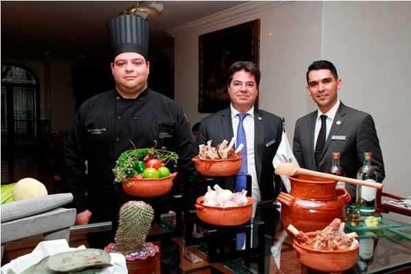 La Cocina de los Ángeles inaugura su temporada de Mole de Caderas