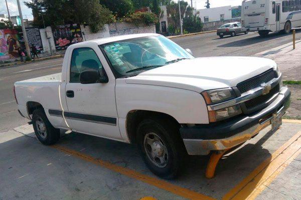 Roban camioneta del delegado de Gobierno en Tecamachalco