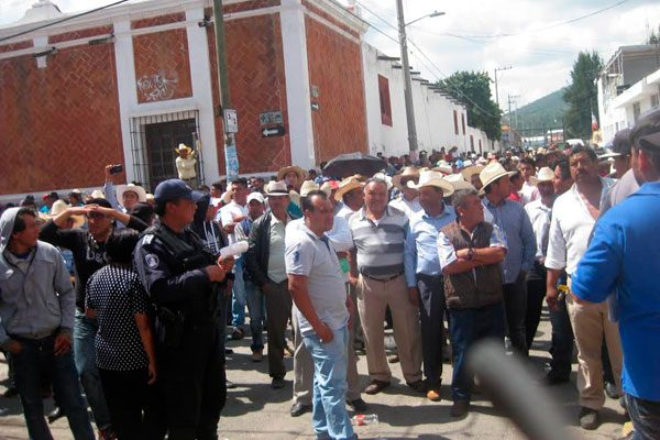 Denuncian ejidatarios venta ilegal de tierras en Amozoc
