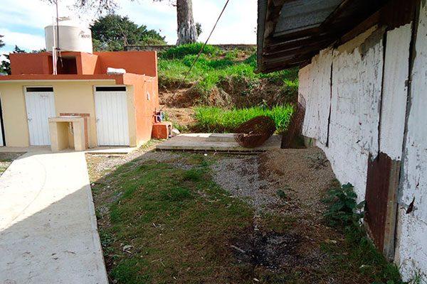 Cierran tres escuelas de Quimixtlán por falta de agua