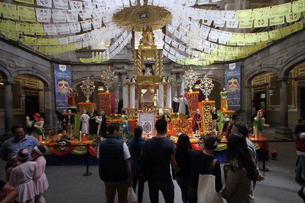 Brújula: la guía de actividades de Puebla