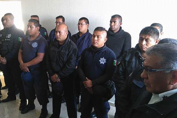 Expulsan a 17 elementos de la policía municipal de Amozoc