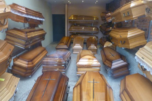 Contabiliza Inegi más de 600 negocios fúnebres en Puebla