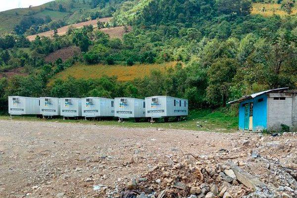 Impiden caminos azolvados utilización de aulas móviles en Xaltepec