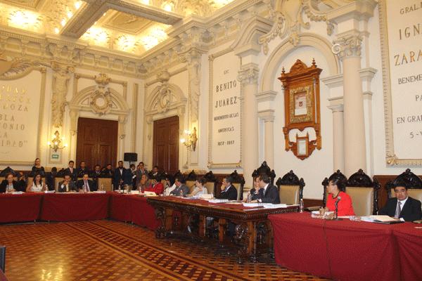 Se queda cabildo de Puebla sin sistema electrónico de votación