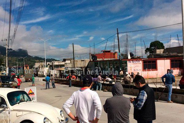 Pobladores protestan contra obra municipal