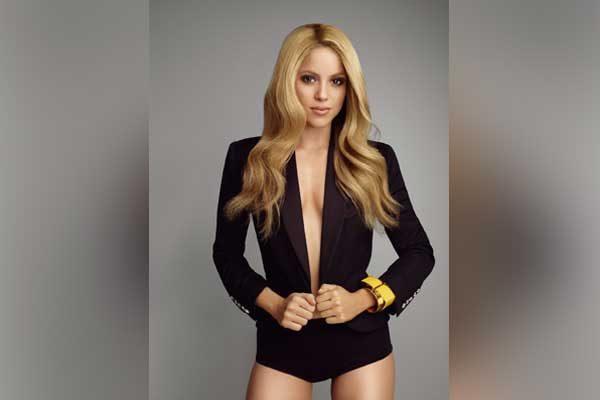 "Shakira estrena el nuevo sencillo ""Chantaje"" a lado de Maluma"