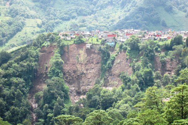 Deforestación, principal factor de los deslaves por el paso de Earl