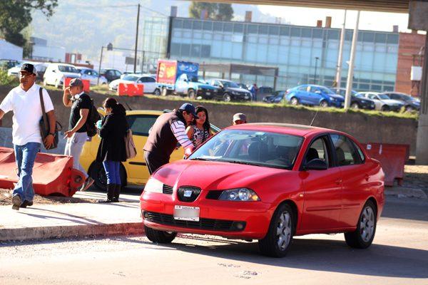 Por cada unidad Bicentenario circulan 20 taxis pirata en Puebla