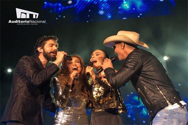 Thalia canta con los ex Timbiriches treinta años después