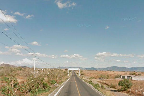 Bloquean carretera San Jerónimo Coyula-Atlixco