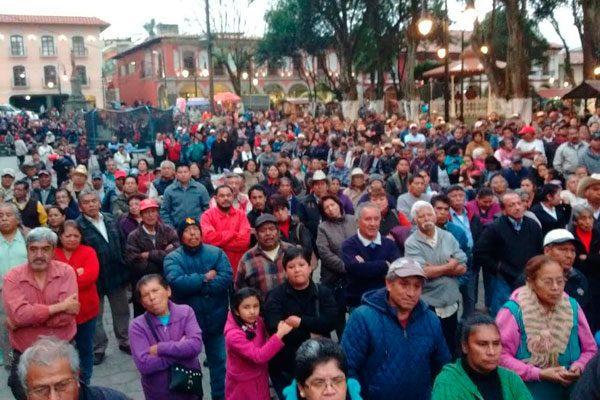 Critican en Huauchinango a políticos que desdeñan conflicto con CFE