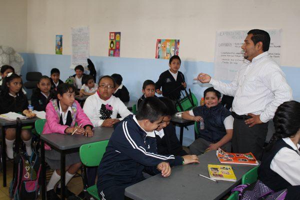 Federación reducirá recursos para programas educativos en Puebla