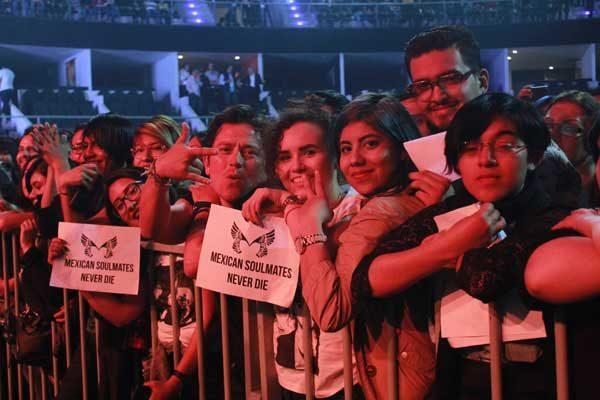 La banda británica Placebo visitó Puebla por primera vez y celebró 20 años