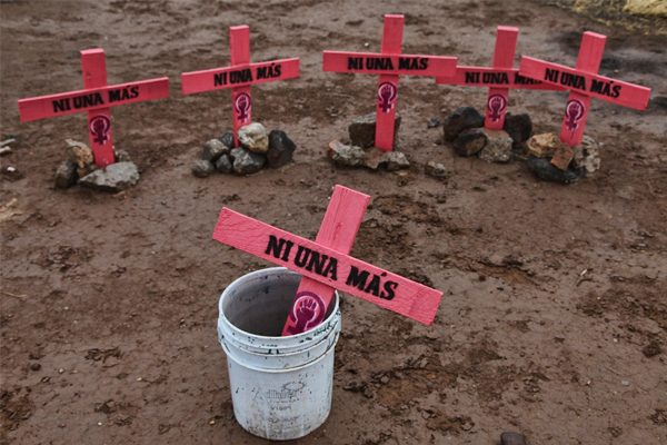 Analizan feminicidios y crimen organizado como temas de comparecencia de la FGE