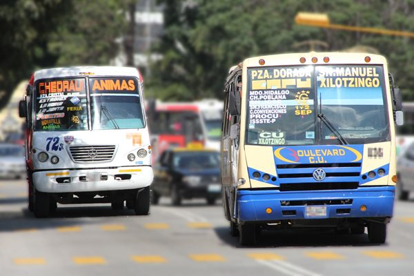 Con dispositivos luminosos externos, alertarán sobre asaltos a transporte en Puebla