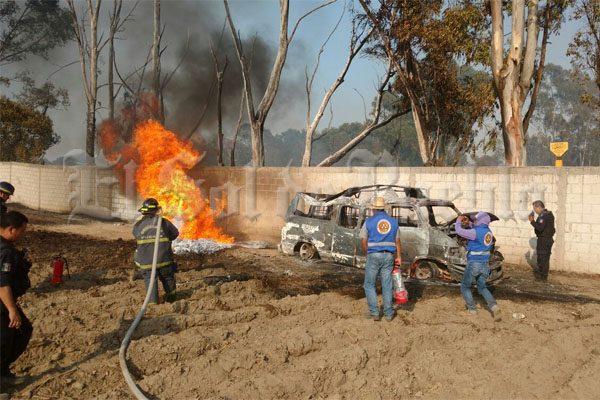Explota otra toma clandestina de combustible en Amozoc