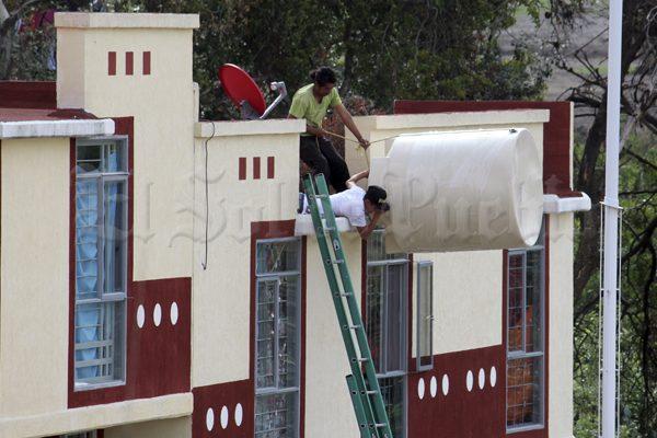 Llevan dos semanas sin agua en el fraccionamiento Santa Lucía 5