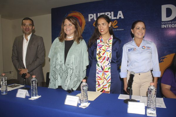 Con discapacidad auditiva, 25 mil 500 personas en Puebla