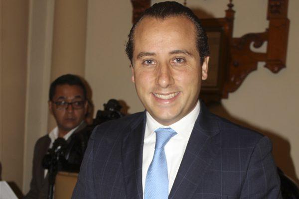 Renuncia Mario Riestra Piña a la Secretaría del Ayuntamiento de Puebla