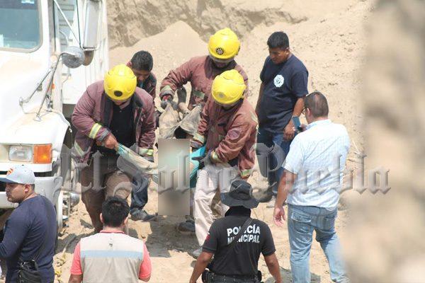 Muere sepultado por alud de lodo en Ajalpan