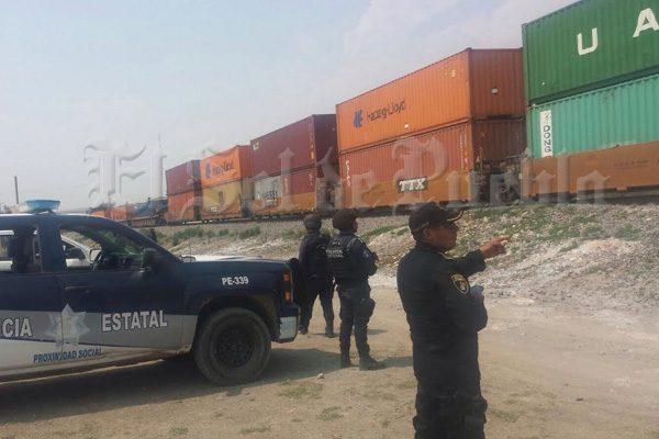 Comando de 30 sujetos asalta tren en Cañada Morelos
