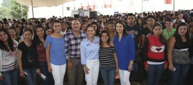 Colocan la primera piedra de la Casa de Jóvenes en Progreso, en Tlatlauquitepec
