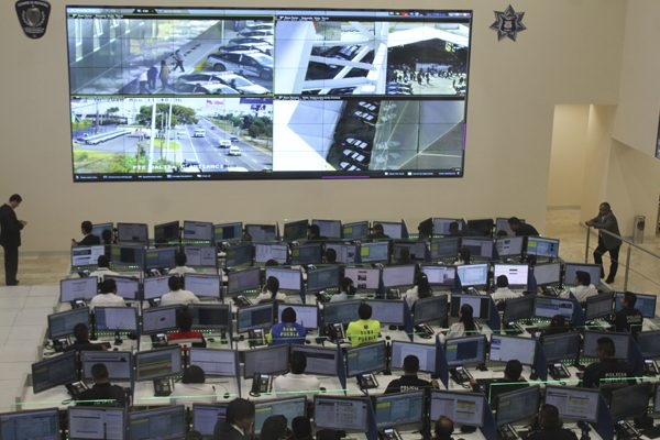 Registra 911 sobrecarga de llamadas telefónicas: Banck
