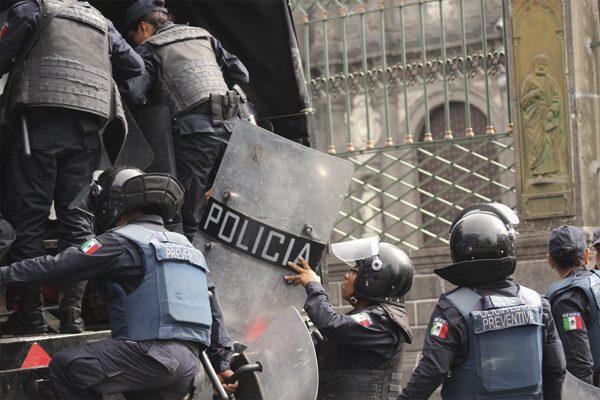 Reprueban 555 policías de Puebla las pruebas de control y confianza