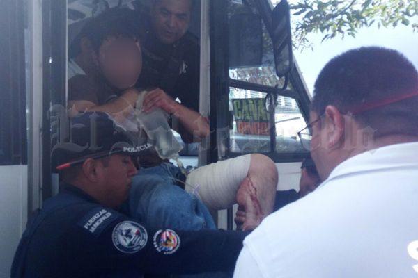 Dos pasajeros heridos, saldo de tres asaltos al transporte público el mismo día