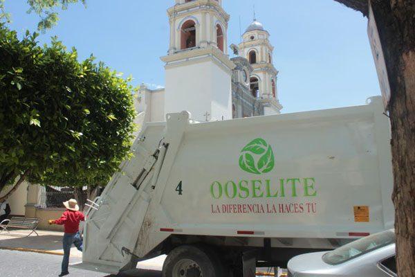 Mantiene Ooselite trabajo intenso en calles y colonias de Tehuacán