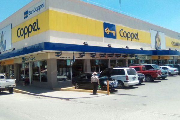 Sujetos armados asaltan sucursal Coppel en Tepeaca