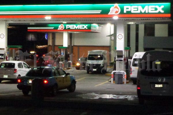 Asaltan gasolinera de Plaza Crystal en Teziutlán