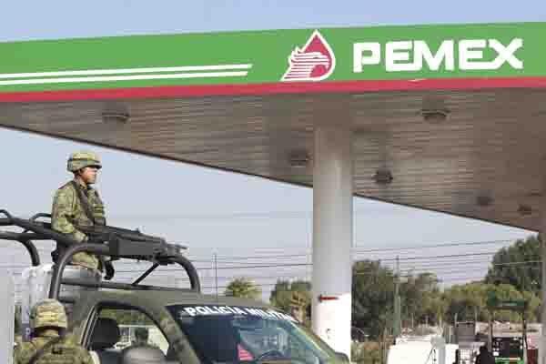 """Gobierno de Puebla informa a SAT y Pemex sobre gasolineras de """"El Cachetes"""""""