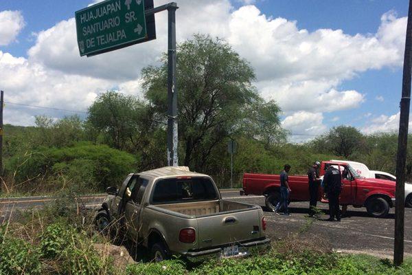 Un herido deja el choque entre dos camionetas en la Acatlán-Izúcar