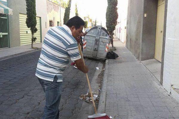 Vecinos realizan jornada de limpia en Tehuacán