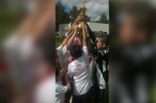 niños-trofeo