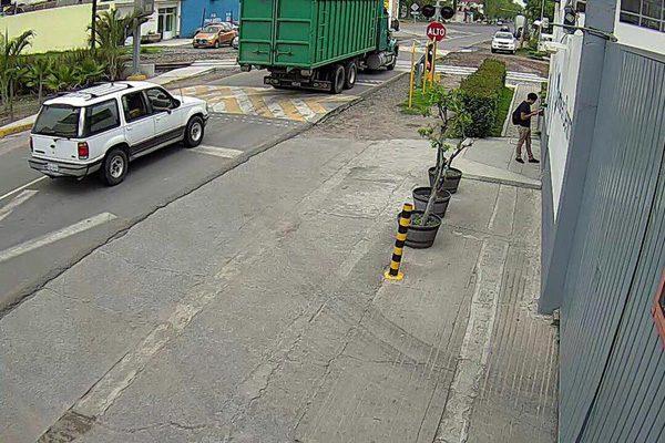 Roban documentos a la BUAP con dos vehículos y en dos días