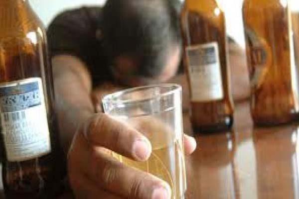 Descartan modificar sanciones a tiendas que incumplan horario de venta de alcohol