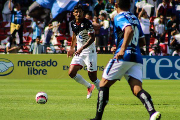 """Esposa del """"Maza"""" Rodríguez arma trifulca al terminar el Lobos-Cruz Azul"""