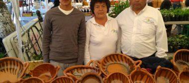 Artesanos de Amozoc participan en la expoferia a la Virgen de la Asunción